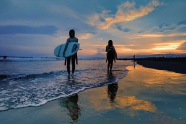 鵠沼海岸で「渚のゴールドライン」を撮ろう